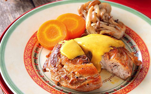 「めぐみ野」ふるさと豚のぐるぐるステーキ カレー風味のチーズソース添え