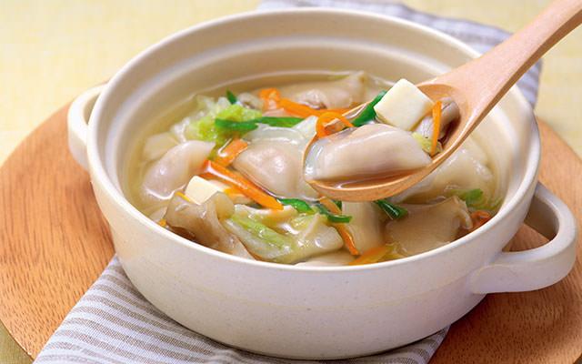 「ミニ水餃子とカット絹とうふの簡単鍋」