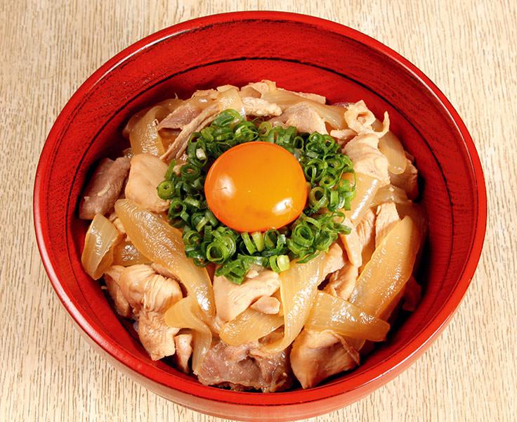 福島を代表する3種類の地鶏が丼ぶりの上に集結