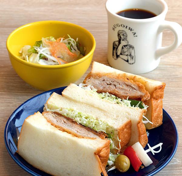 人気食パン専門店が手がけるパンを楽しむカフェ空間